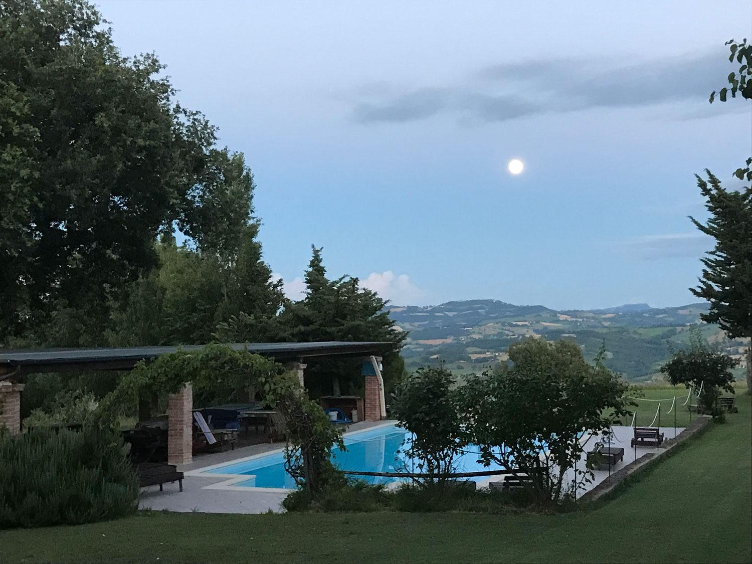 Massage & Yoga Reatreat in Marche Italy